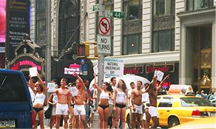 Lịch sử phát triển của chiếc quần lót nam - National Underwear Day 2003