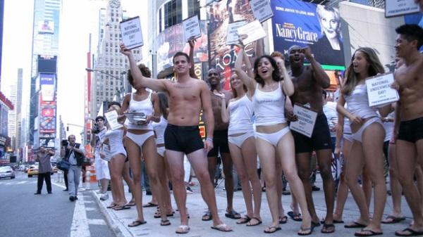 Lịch sử phát triển của chiếc quần lót nam - National Underwear Day